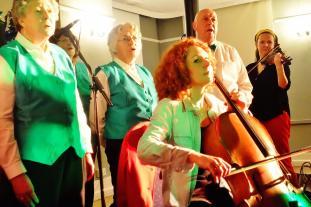 Nora, Kathy and Choir